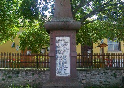 Mencshely világháborús emlékmű 2010.08.12. küldő-Csiszár Lehel (4)