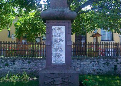 Mencshely világháborús emlékmű 2010.08.12. küldő-Csiszár Lehel