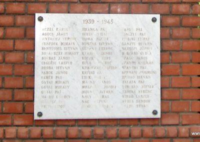 Mende világháborús emlékmű 2007.05.21.küldő-Petrás Mátyás (3)