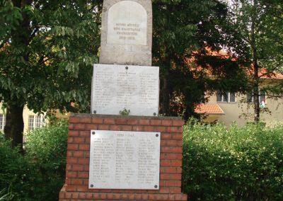 Mende világháborús emlékmű 2007.05.21.küldő-Petrás Mátyás