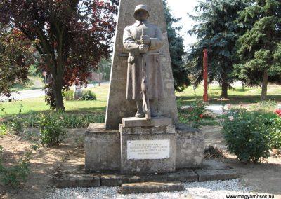 Mernye világháborús emlékmű 2007.08.06.küldő-Kályhás (1)