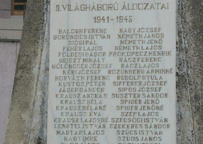 Mernye világháborús emlékmű 2012.04.14. küldő-Sümec (2)