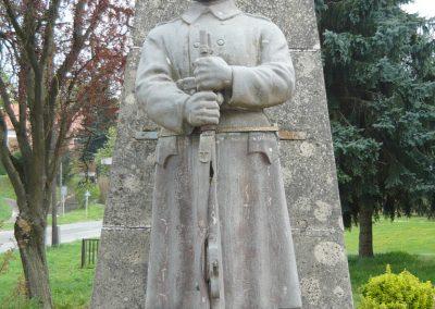 Mernye világháborús emlékmű 2012.04.14. küldő-Sümec