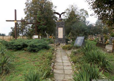 Mesztegnyő II. világháborús emlékmű 2014.10.25. küldő-kalyhas