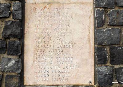 Mesztegnyő II. világháborús emlékmű 2014.10.25. küldő-kalyhas (7)