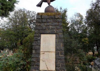 Mesztegnyő II. világháborús emlékmű 2014.10.25. küldő-kalyhas (8)