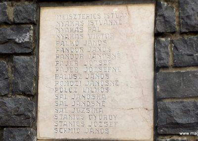 Mesztegnyő II. világháborús emlékmű 2014.10.25. küldő-kalyhas (9)