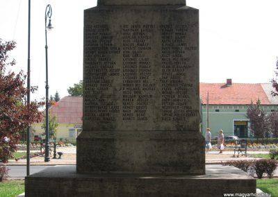 Mezőcsát I.vh emlékmű 2007.08.23.küldő-Kályhás (4)