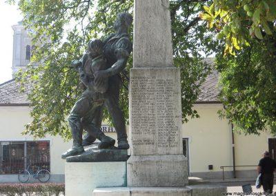 Mezőcsát I.vh emlékmű 2007.08.23.küldő-Kályhás (5)