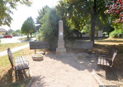 Mezőfalva II. világháborús emlékmű 2012.08.31. küldő-Baloghzoli