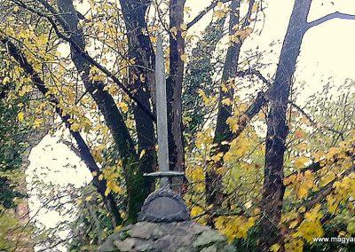 Mezőhegyes világháborús emlékmű 2012.11.13. küldő-Csiszár Lehel (1)