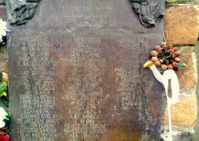 Mezőhegyes világháborús emlékmű 2012.11.13. küldő-Csiszár Lehel (2)