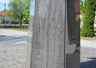 Mezőkövesd világháborús emlékmű 2012.04.27. küldő-kalyhas (10)