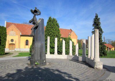 Mezőkövesd világháborús emlékmű 2012.04.27. küldő-kalyhas (12)