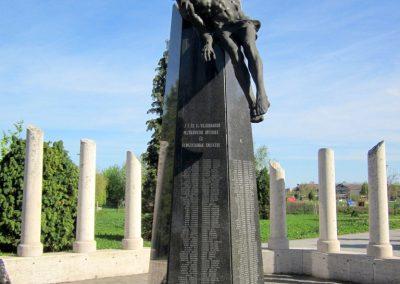 Mezőkövesd világháborús emlékmű 2012.04.27. küldő-kalyhas (4)