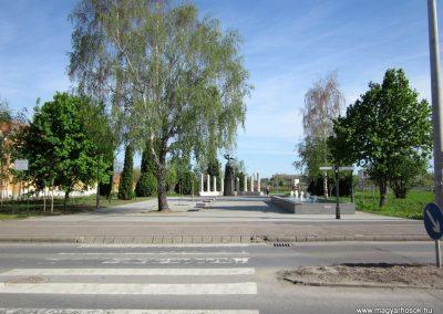 Mezőkövesd világháborús emlékmű 2012.04.27. küldő-kalyhas
