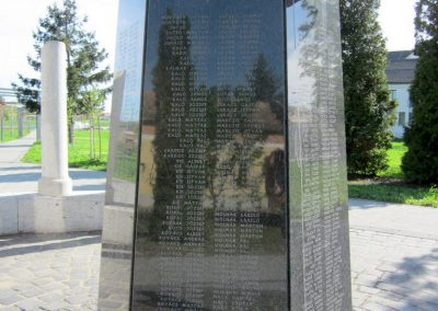 Mezőkövesd világháborús emlékmű 2012.04.27. küldő-kalyhas (6)