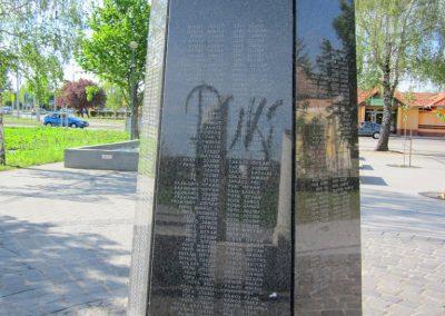 Mezőkövesd világháborús emlékmű 2012.04.27. küldő-kalyhas (9)