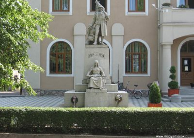 Mezőkeresztes I.vh emlékmű 2007.08.23.küldő-Kályhás