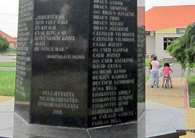 Mezőkeresztes II. világháborús emlékmű 2014.08.04. küldő-kalyhas (6)