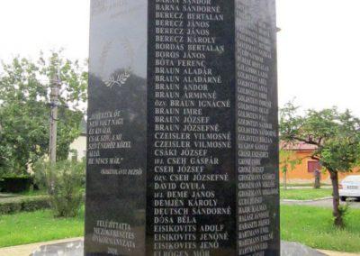 Mezőkeresztes II. világháborús emlékmű 2014.08.04. küldő-kalyhas (7)