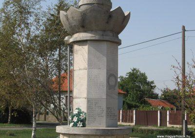 Mezőkeresztes II.vh emlékmű 2007.08.23. küldő-Kályhás (1)