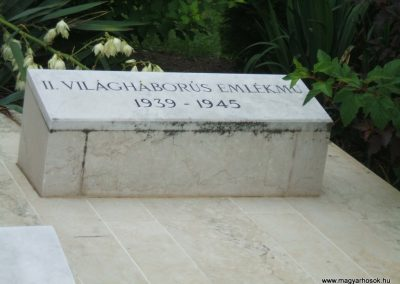 Mezőkomárom II.vh emlékmű 2009.06.28.küldő-Mimóza (3)