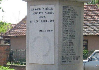 Mezőnagymihály világháborús emlékmű 2007.08.23. küldő-Kályhás (6)
