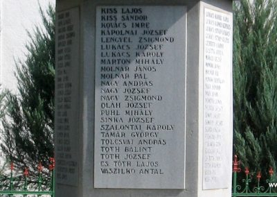 Mezőnagymihály világháborús emlékmű 2007.08.23. küldő-Kályhás (8)