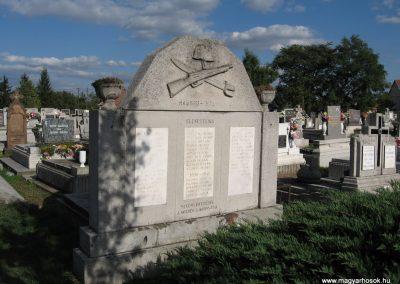 Mezőnyárád világháborús emlékmű 2007.09.20.küldő-Kályhás