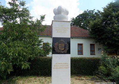Mezőpeterd világháborús emlékmű 2018.05.28. küldő-Bóta Sándor (1)