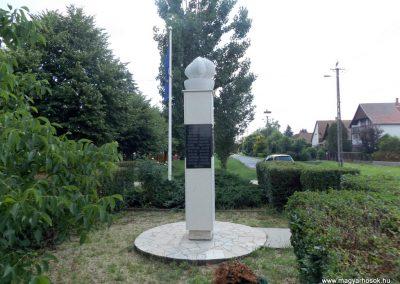 Mezőpeterd világháborús emlékmű 2018.05.28. küldő-Bóta Sándor (4)