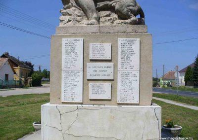 Mezőszilas világháborús emlékmű 2007.08.21.küldő-Hunmi (3)