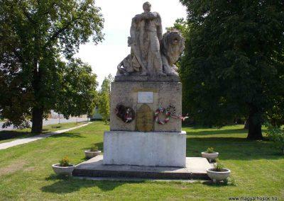 Mezőszilas világháborús emlékmű 2007.08.21.küldő-Hunmi