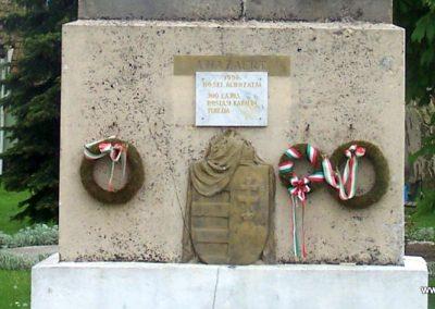 Mezőszilas világháborús emlékmű 2010.05.03. küldő-Horváth Zsolt (2)