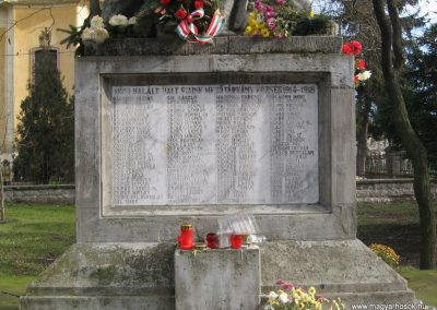 Mezőtárkány világháborús emlékmű 2007.11.11. küldő-kalyhas (2)