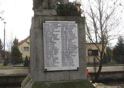 Mezőtárkány világháborús emlékmű 2007.11.11. küldő-kalyhas (3)