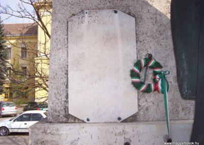 Mezőtúr I. vh emlékmű 2009.03.16.küldő-miki (2)