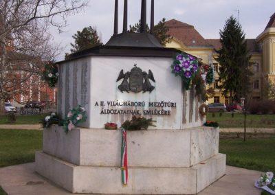 Mezőtúr II.vh emlékmű 2009.03.16.küldő-miki