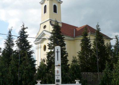 Miháld hősi emlékmű 2013.05.26. küldő-Sümec