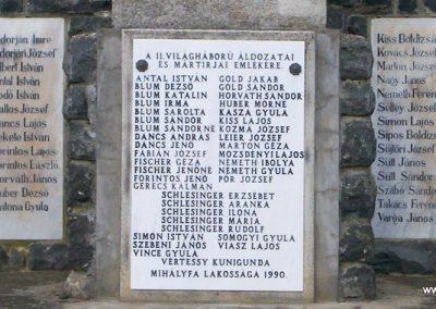 Mihályfa világháborús emlékmű 2008.08.24. küldő-Vw golf (4)