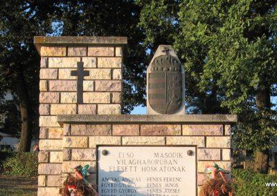 Mihálygerge világháborús emlékmű 2009.07.20. küldő-kalyhas (2)