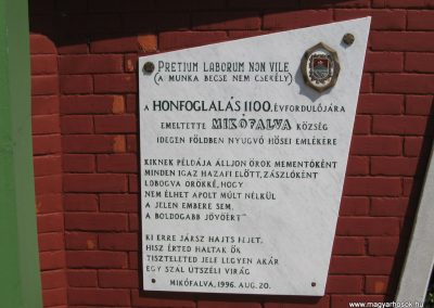 Mikófalva hősi emlékmű 2007.05.13. küldő-kalyhas (5)