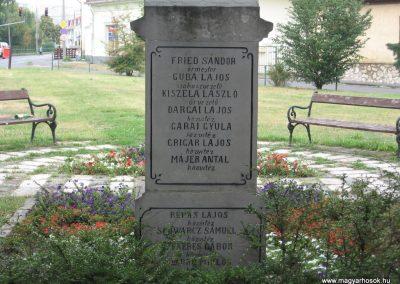 Miskolc-Hejőcsaba I.vh emlékmű 2007.08.12. küldő-Kályhás (3)