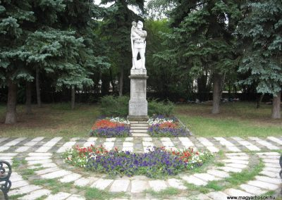 Miskolc-Hejőcsaba I.vh emlékmű 2007.08.12. küldő-Kályhás