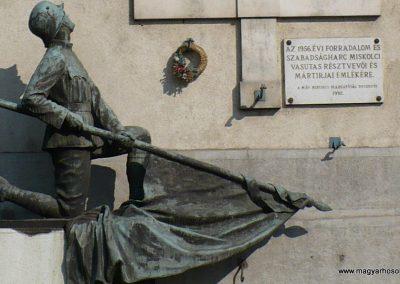 Miskolc I. világháborús Vasutas emlékmű 2009.05.04. küldő-Gombóc Arthur (3)