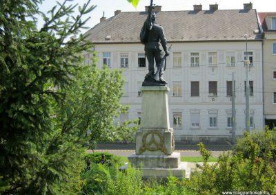 Miskolc I. világháborús tizeshonvéd emlékmű 2015.08.06. küldő-Emese (3)