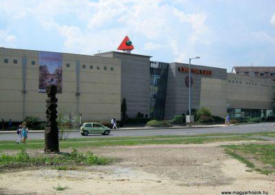 Miskolc Szeles u. Kopjafa a II. világháborús bombatámadások áldozatainak emlékére 2015.08.03. küldő-Emese (2)