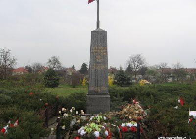 Miskolc-Szirma világháborús emlékmű 2008.04.05.küldő-Kályhás (1)