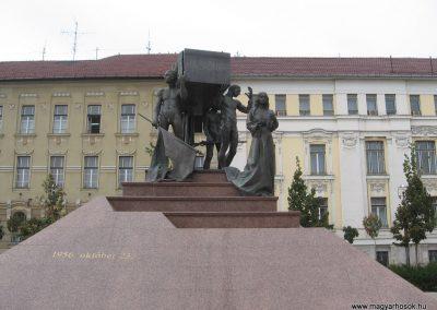 Miskolc hősi emlékmű 2009.10.10. küldő-kalyhas (1)